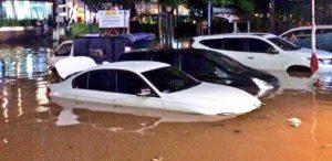5 Ciri-Ciri Mobil Bekas Banjir