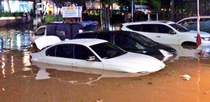 5 Ciri-Ciri Mobil Bekas Banjir-otospector