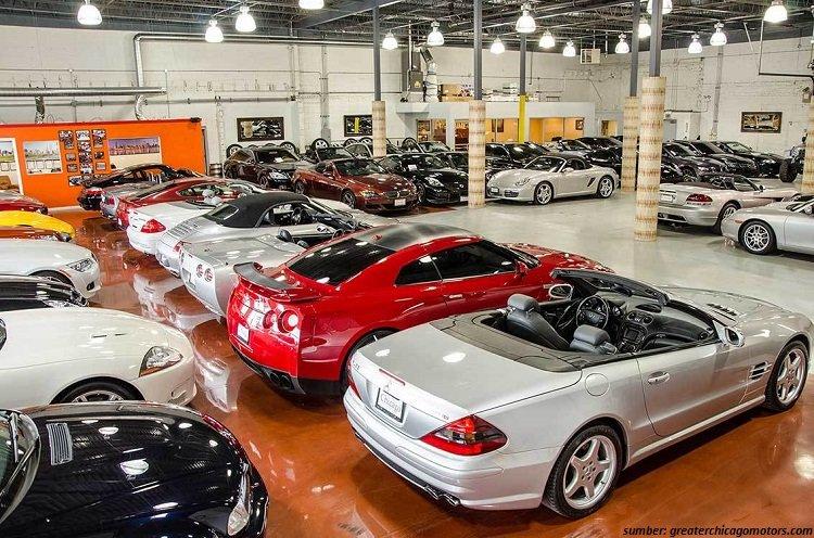 6 Tips Membeli Mobil Bekas di Showroom Agar Tidak Salah Pilih