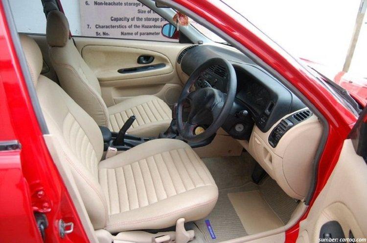 Interior Mobil bekas