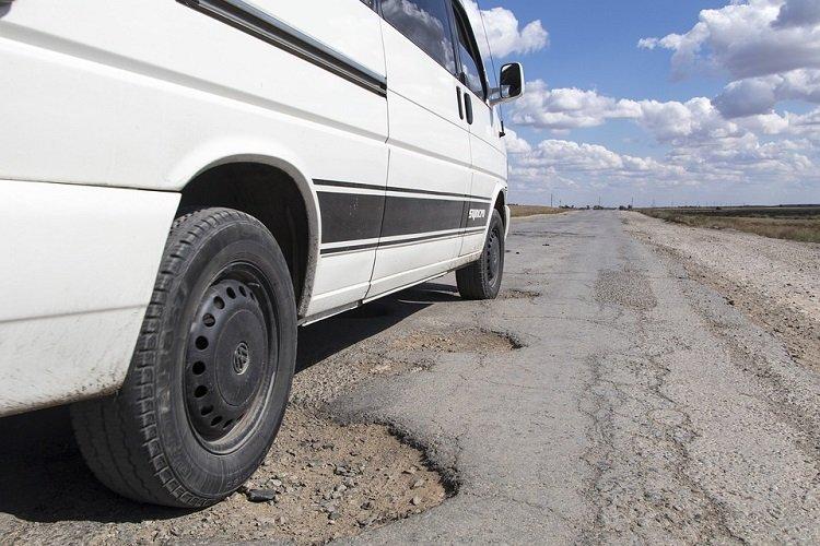 4 Komponen Mobil yang Rentan Rusak Karena Jalan Berlubang-otospector