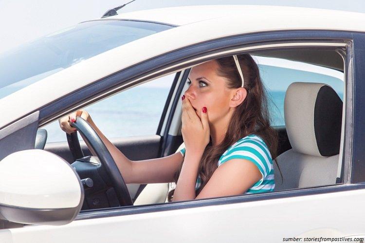 Bau Pada Mobil