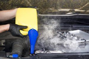 Mesin Cepat Panas Saat AC Mobil Hidup? Ini Penyebab Serta Solusinya!