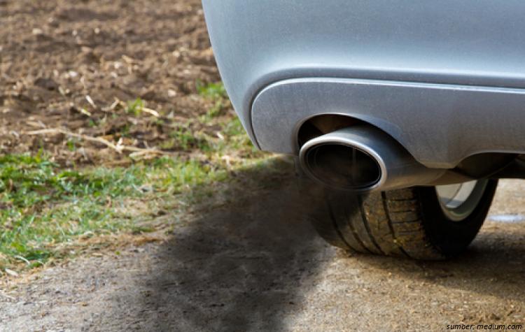 Cara Mengenali Kerusakan Mobil Bekas dari Warna Asap Knalpot-otospector