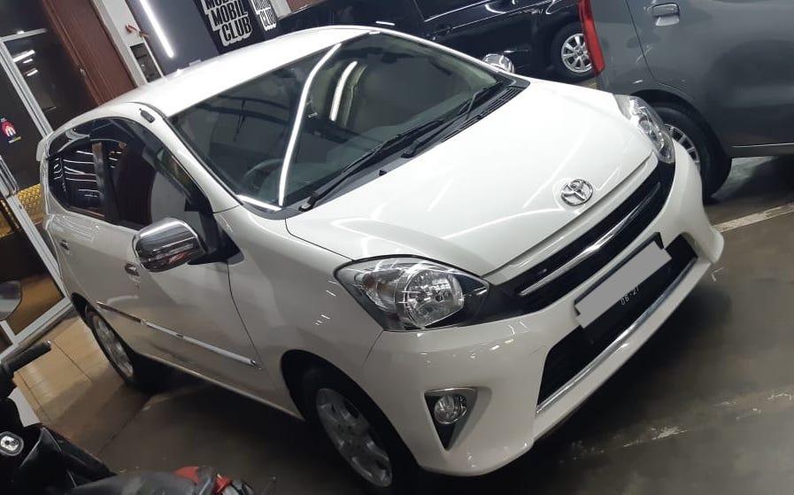 Harga mobil bekas di bawah 100 juta - Toyota Agya 2016