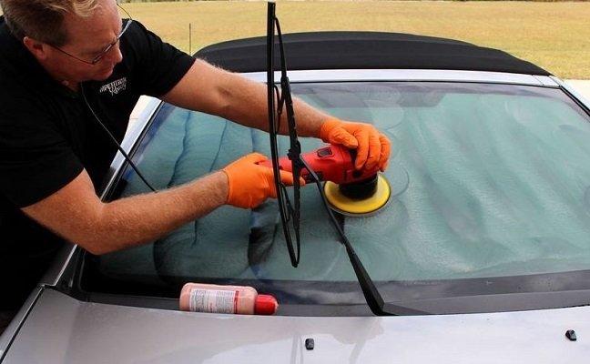 Kaca Mobil Buram Saat Hujan? Ini 5 Tips Mengatasinya-otospector